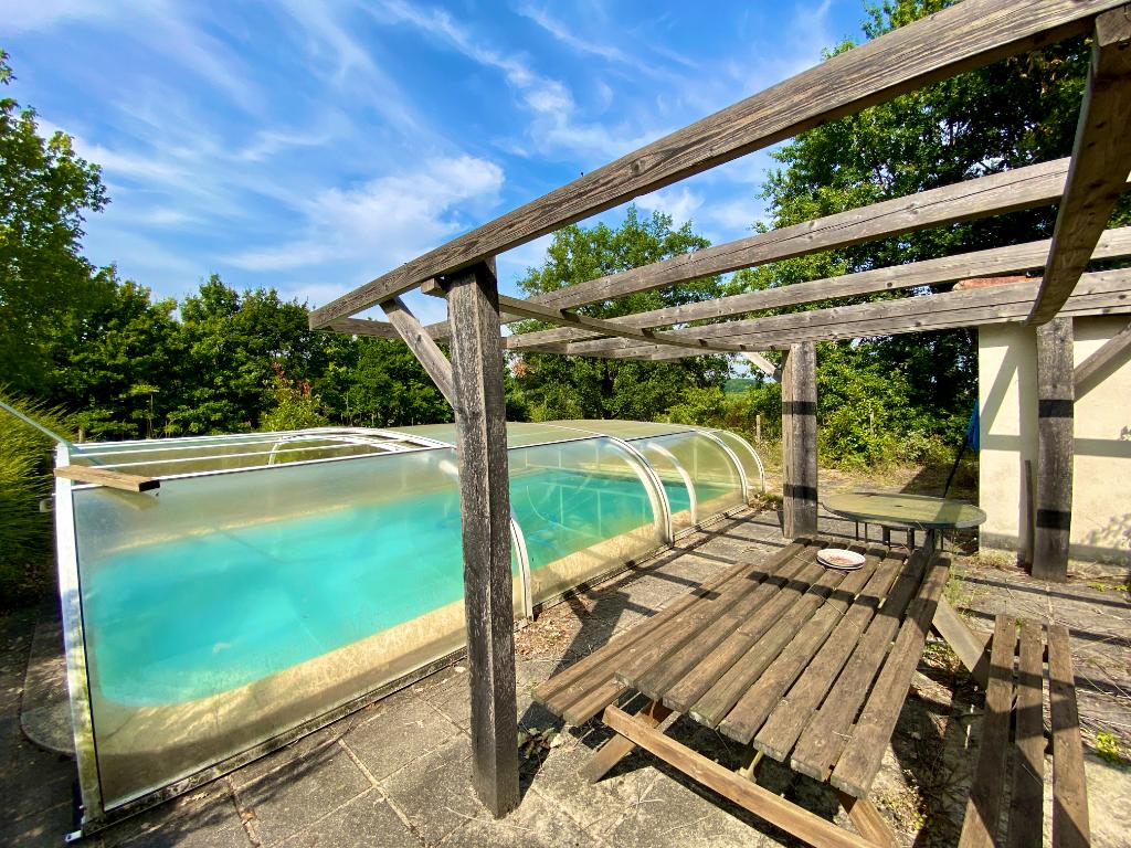 Maison à renover avec piscine