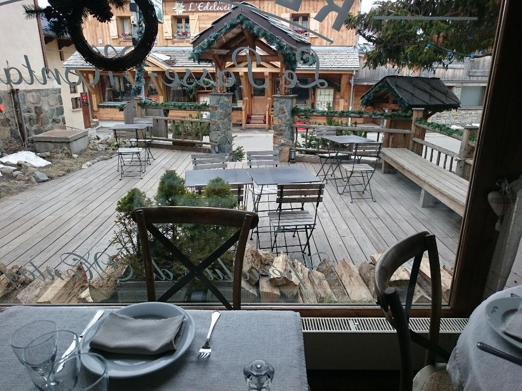 a vendre restaurant + murs + appartement station inter 1800. chalet - Restaurant