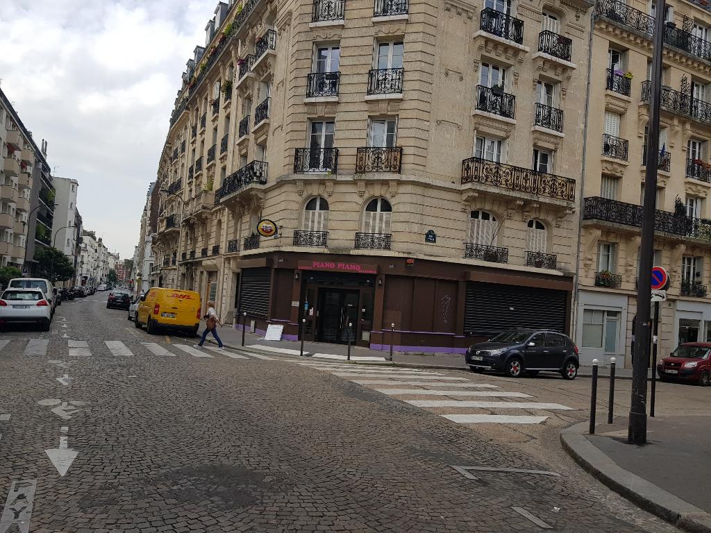 Paris 13eme, angle de rue, secteur peupliers - Bar Tabac PMU