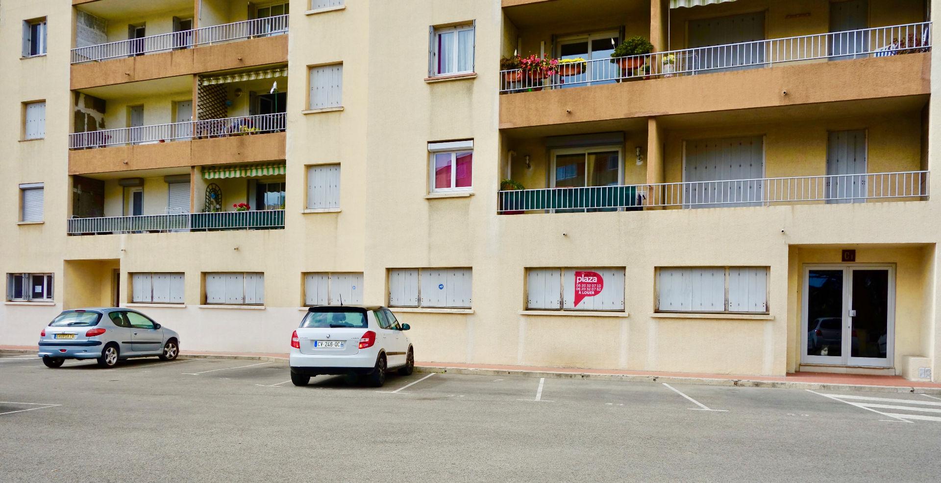 Photo Local professionnel à louer 10 pièces 200 m² image 1/5