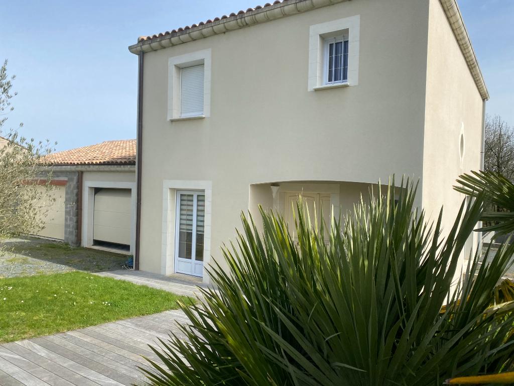 Maison Mervent 5 pièce(s) 131 m2