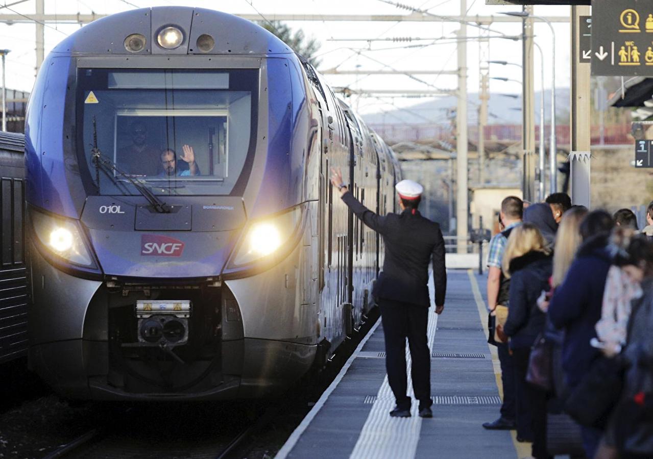 Grève à la SNCF: à quoi faut-il s'attendre cet été?
