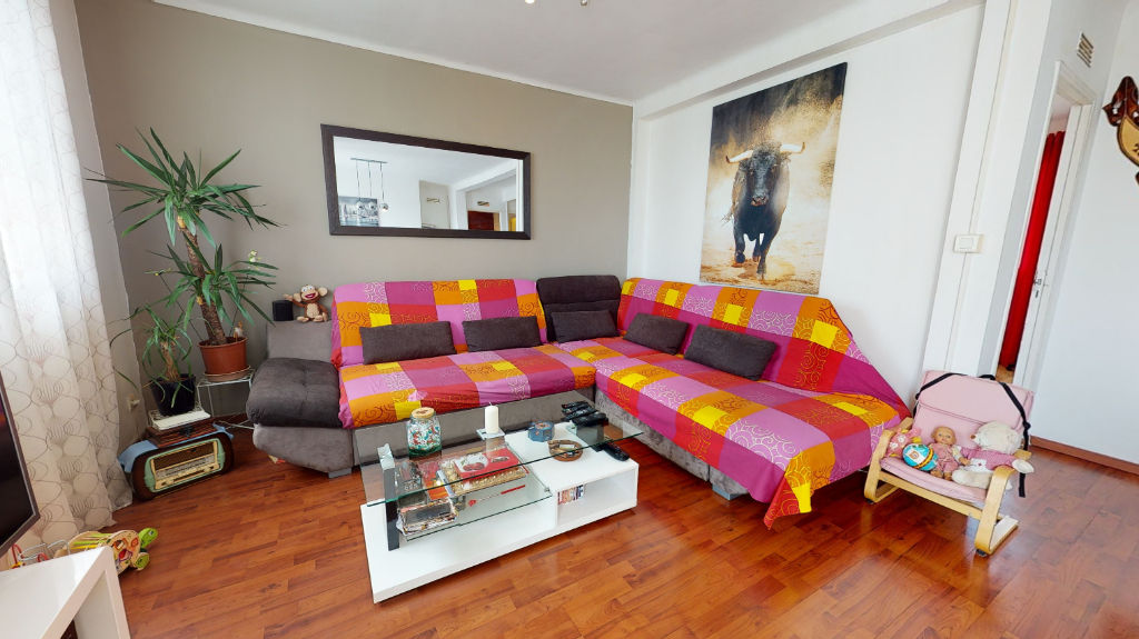 Nimes appartement P3 62m², loggia