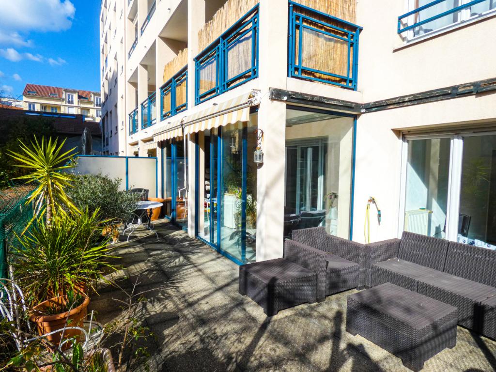 Appartement T4 de 87 m² avec Véranda et Rez de Jardin de 30 m² - Part-Dieu