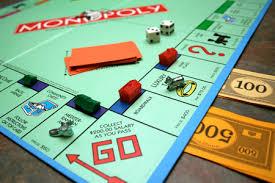 Un Monopoly dans les rues de Paris.