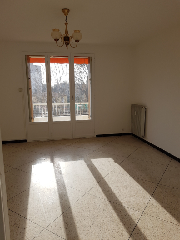 MARSEILLE : appartement T3 en location
