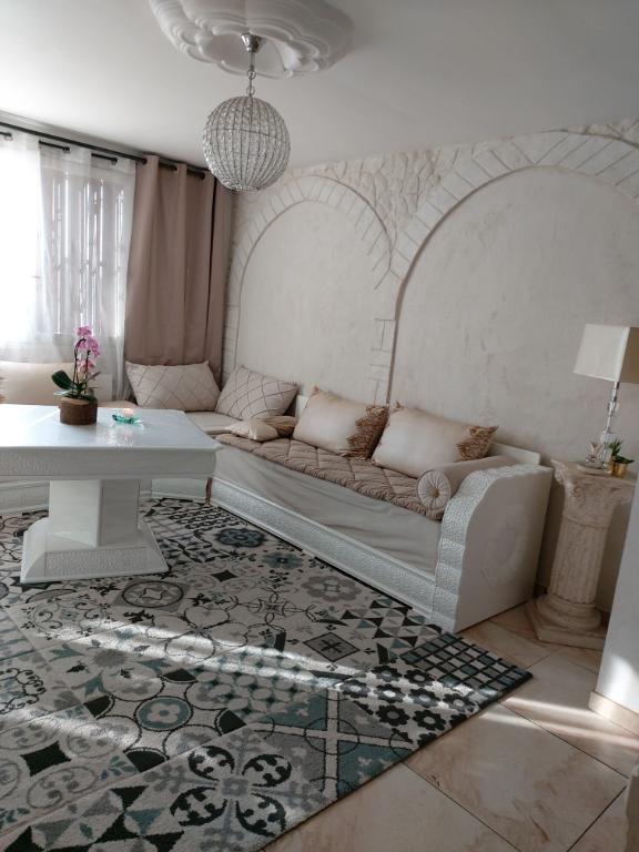 Location : appartement T3 (57 m²) à MARSEILLE