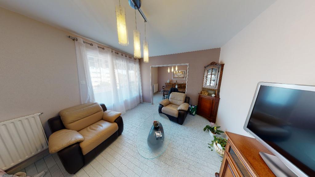 Appartement 4 pièces (74 m²) en vente à SEPTEMES LES VALLONS