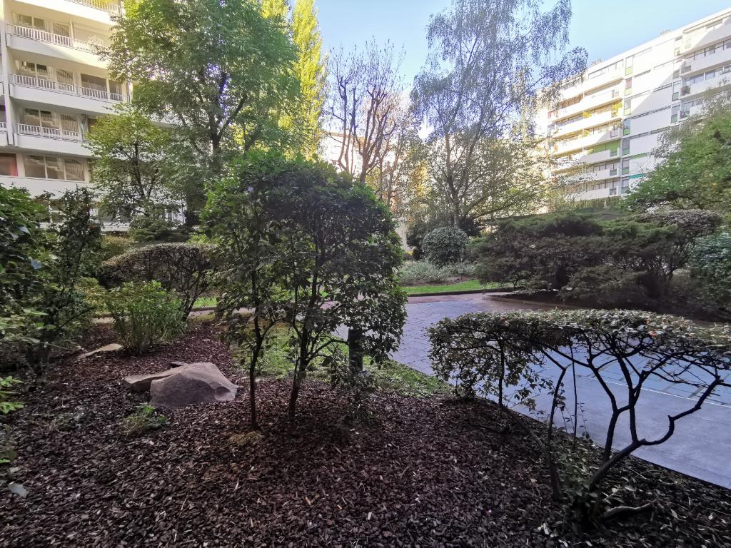 Vente Appartement de 5 pièces 92 m² - PARIS 75020 | 20ème APPART PYRÉNÉES - AR photo1