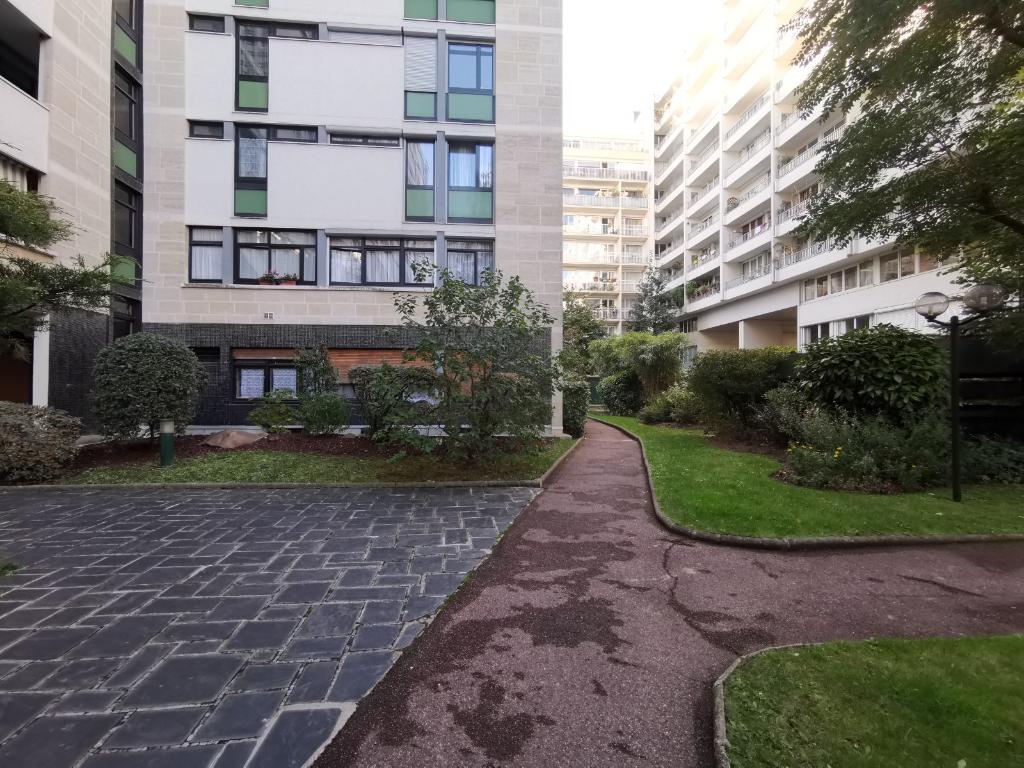 Vente Appartement de 5 pièces 92 m² - PARIS 75020 | 20ème APPART PYRÉNÉES - AR photo5