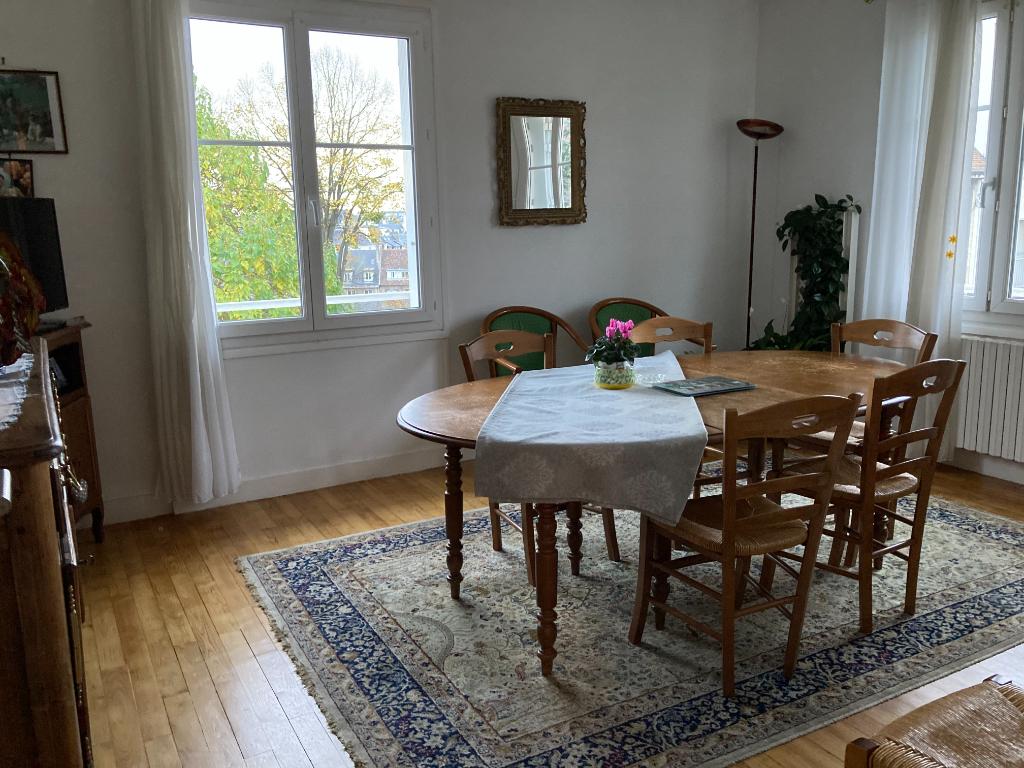 Sale apartment Caen 140800€ - Picture 2
