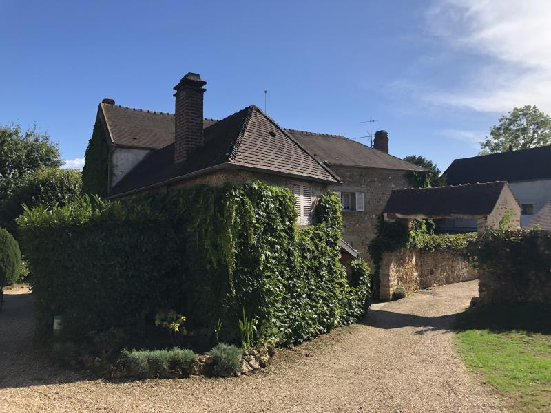 Sale house / villa Aincourt 796950€ - Picture 2