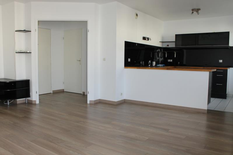 Rental apartment Cergy le haut 905€ CC - Picture 3