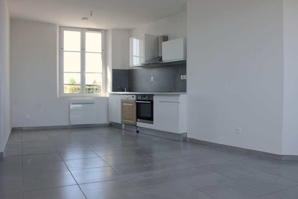 Rental apartment Henonville 830€ CC - Picture 1