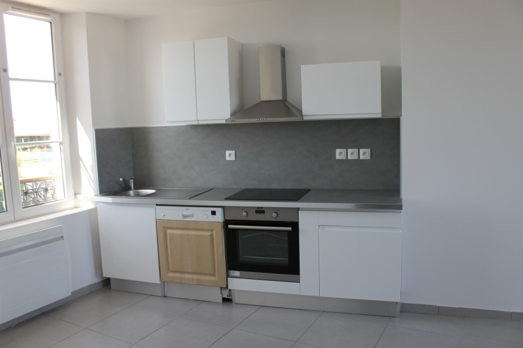 Rental apartment Henonville 830€ CC - Picture 3