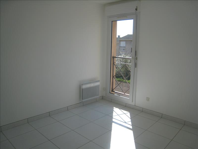 Rental apartment Osny 817€ CC - Picture 4