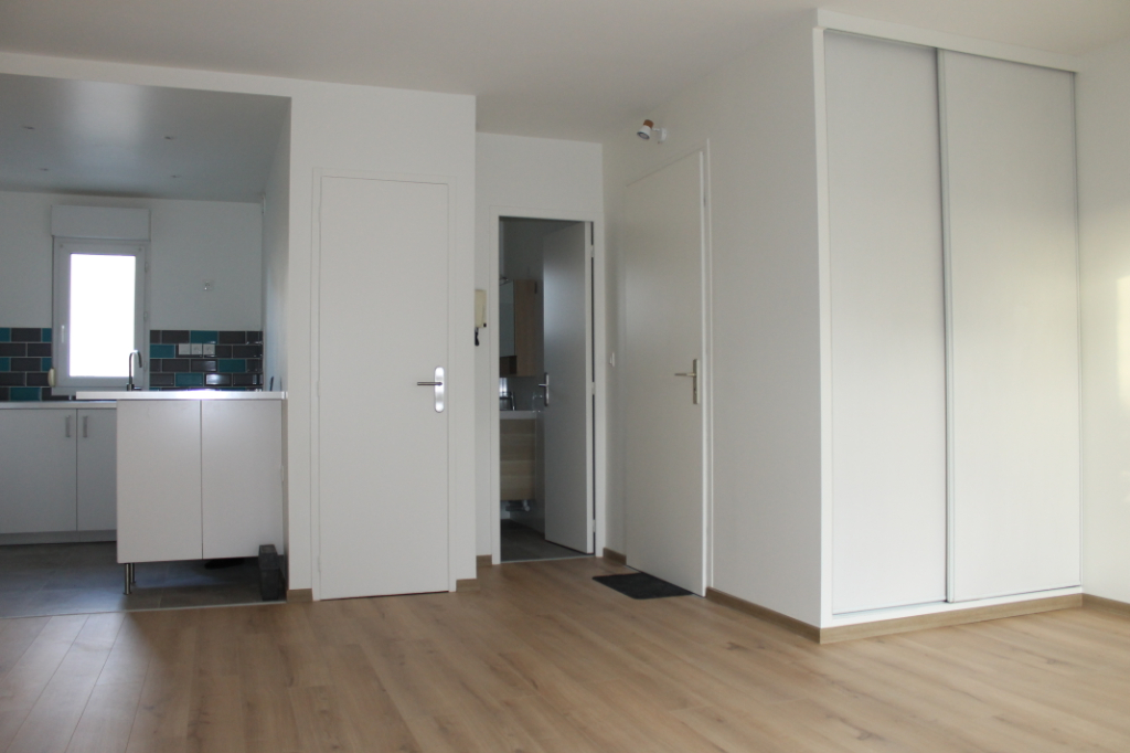 Location appartement Pierrelaye 650€ CC - Photo 1