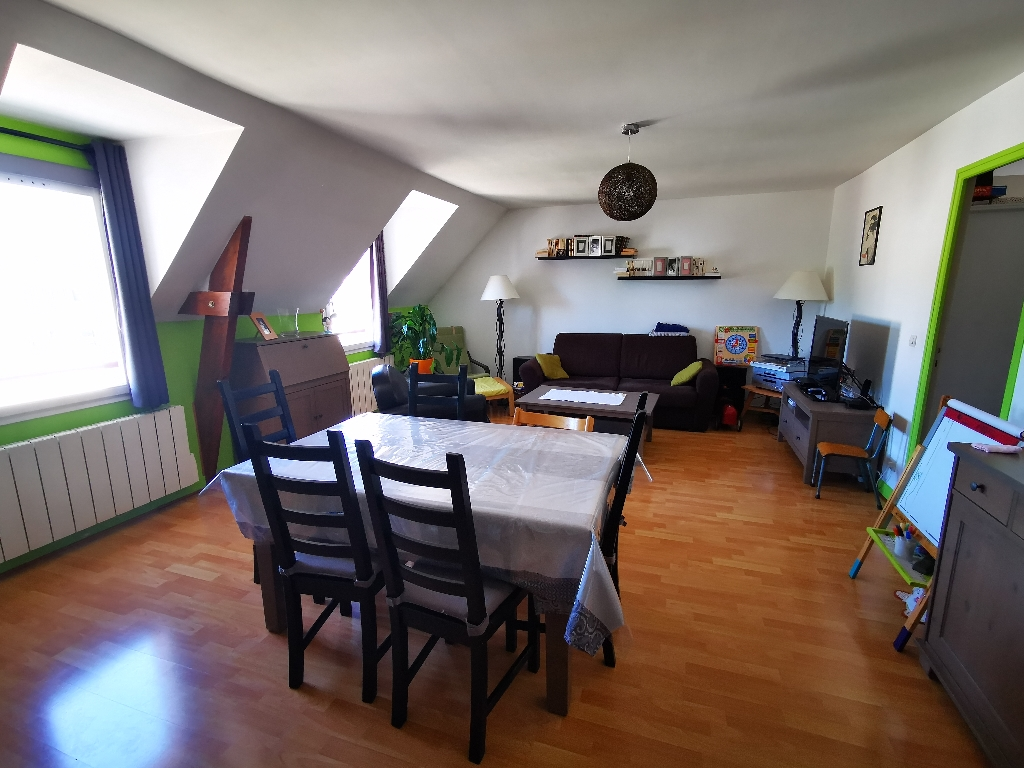 Sale apartment Osny 229000€ - Picture 1
