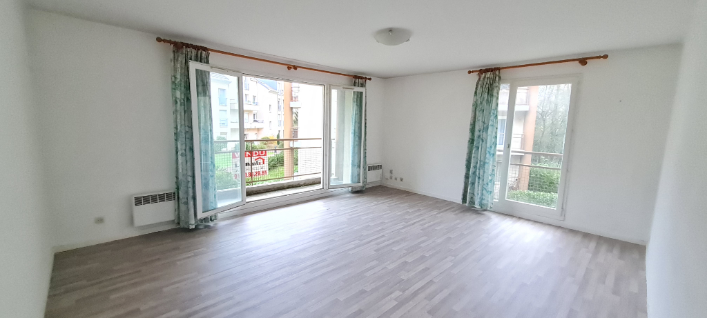 Sale apartment Osny 218500€ - Picture 3