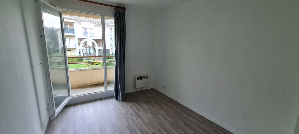 Sale apartment Osny 218500€ - Picture 4