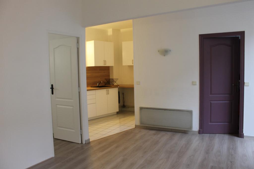 Location appartement Pontoise 760€ CC - Photo 3