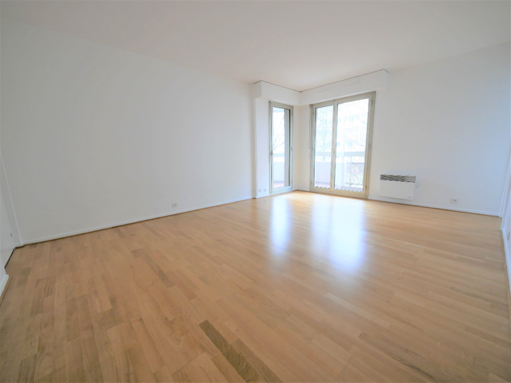 Rental apartment Courbevoie 887€ CC - Picture 2