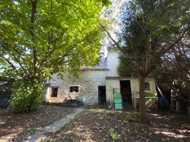 Sale house / villa Coye la foret 254000€ - Picture 1