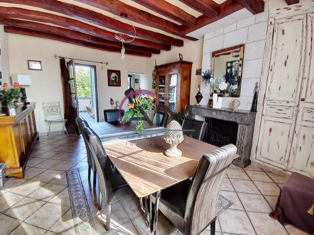 Sale house / villa La chapelle sur loire 319900€ - Picture 2