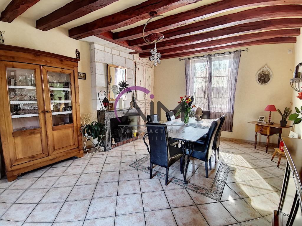 Sale house / villa La chapelle sur loire 319900€ - Picture 3