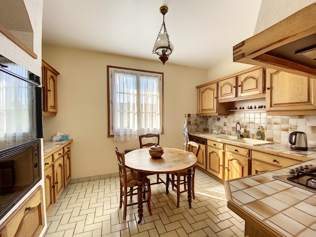 Sale house / villa Chateau renault 139800€ - Picture 3
