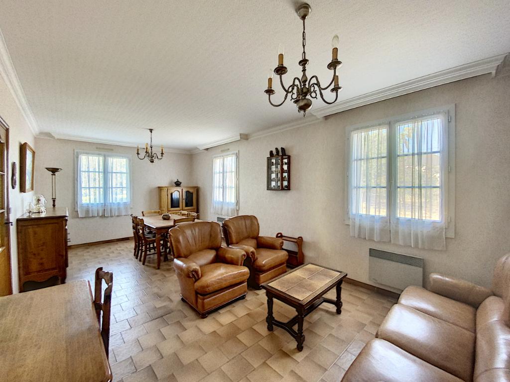 Sale house / villa Chateau renault 139800€ - Picture 4