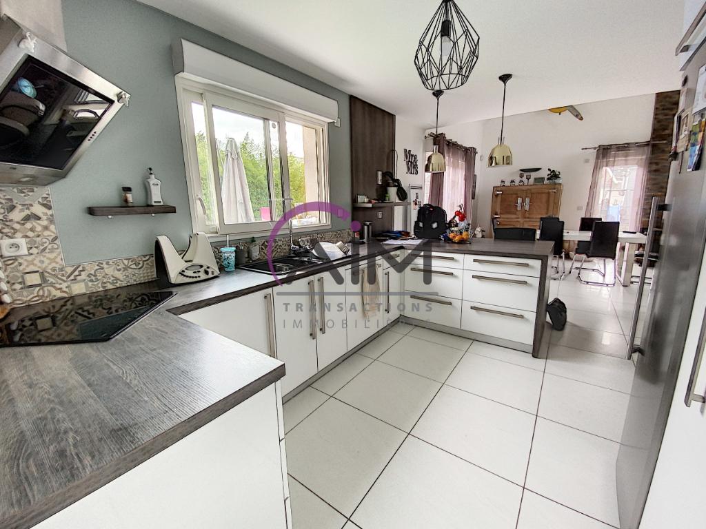 Sale house / villa Montlouis sur loire 341900€ - Picture 5