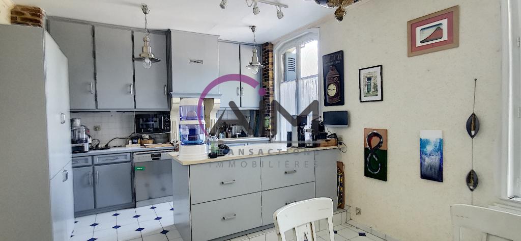 Sale house / villa Montlouis sur loire 374500€ - Picture 1