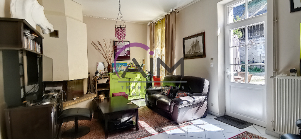 Sale house / villa Montlouis sur loire 374500€ - Picture 2
