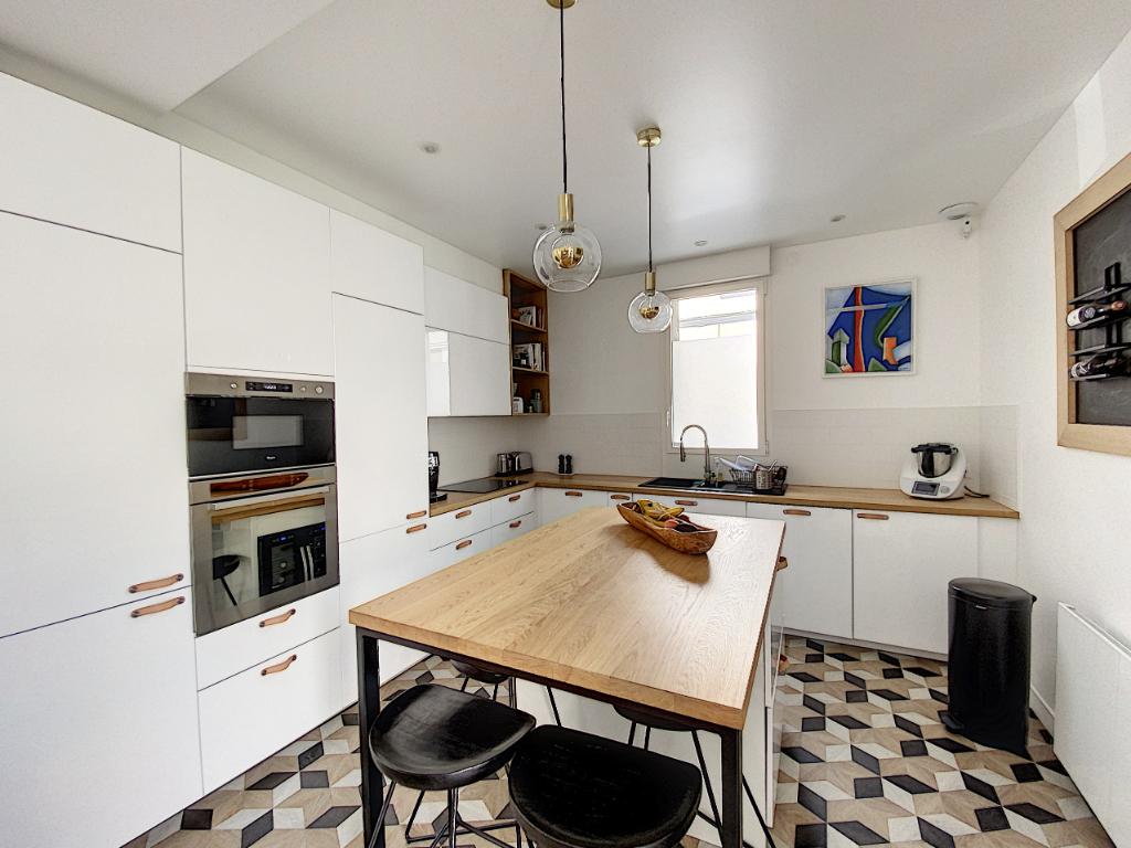Sale apartment Tours 403700€ - Picture 3
