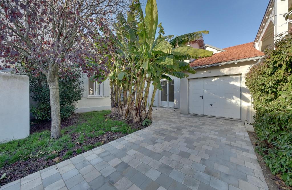 Sale house / villa Chatelaillon plage 538000€ - Picture 1