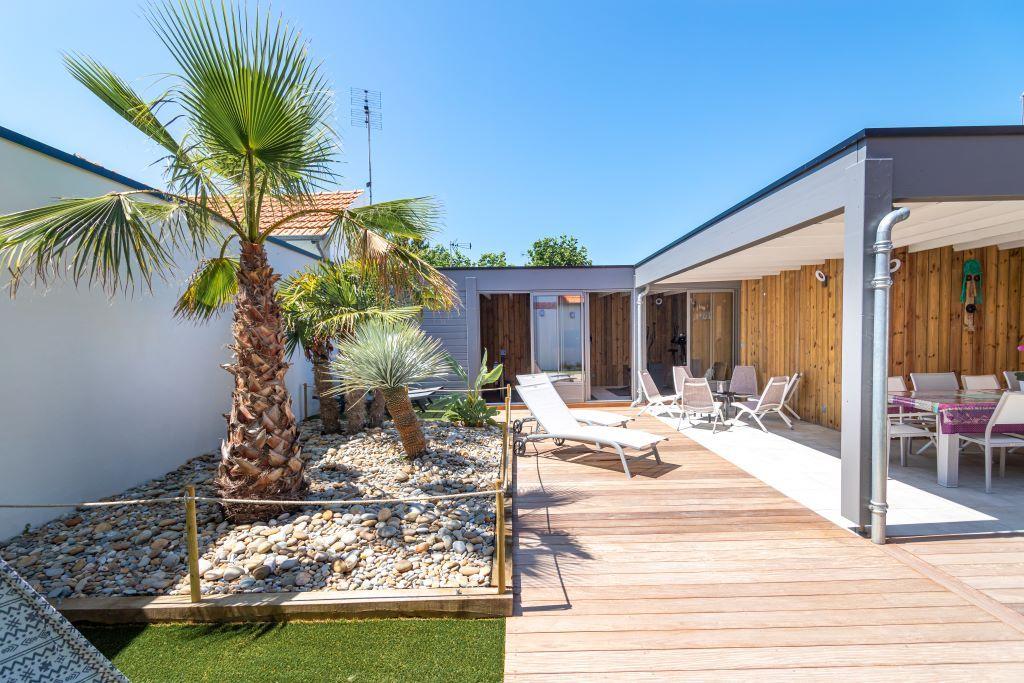Sale house / villa Chatelaillon plage 875000€ - Picture 2