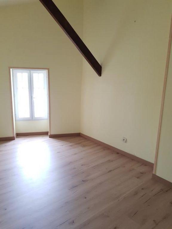 Sale house / villa Thaire 146800€ - Picture 5