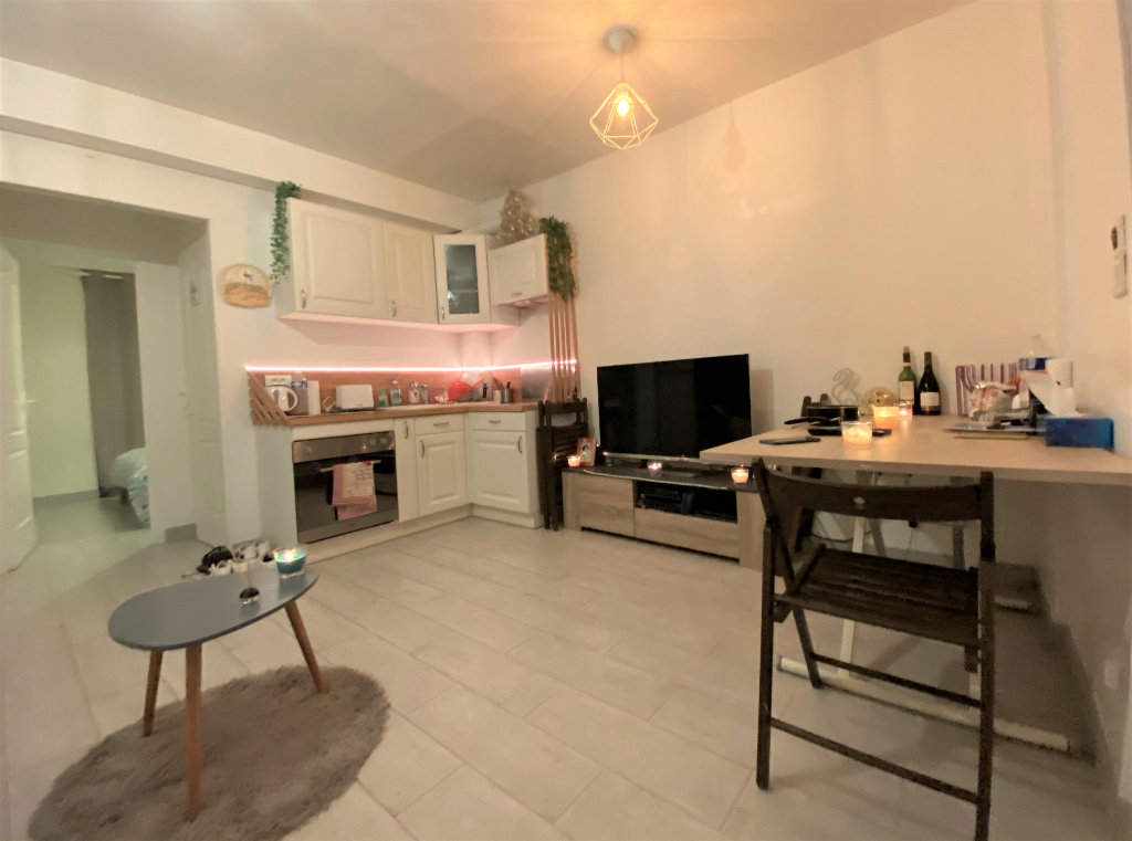 Sale apartment Athis mons 129 930€ - Picture 1