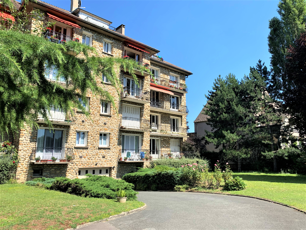 Sale apartment Athis mons 314500€ - Picture 1