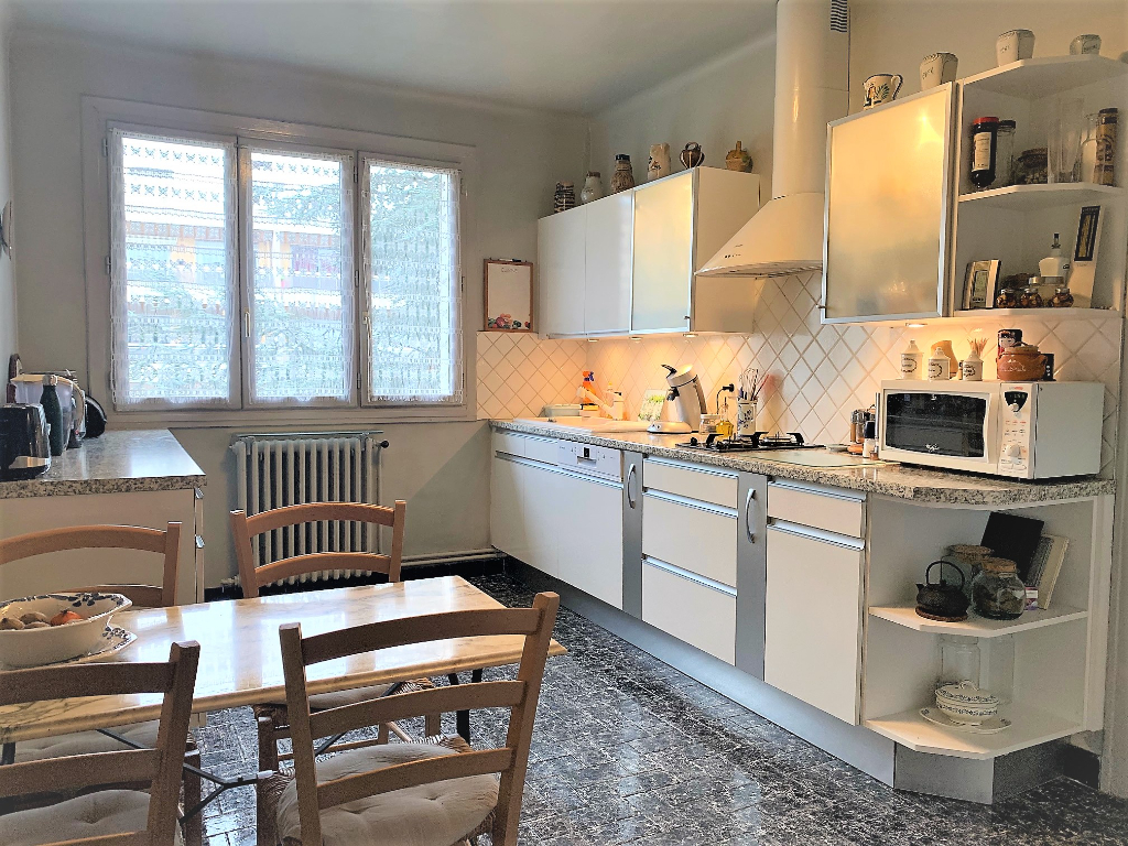 Sale apartment Athis mons 314500€ - Picture 3