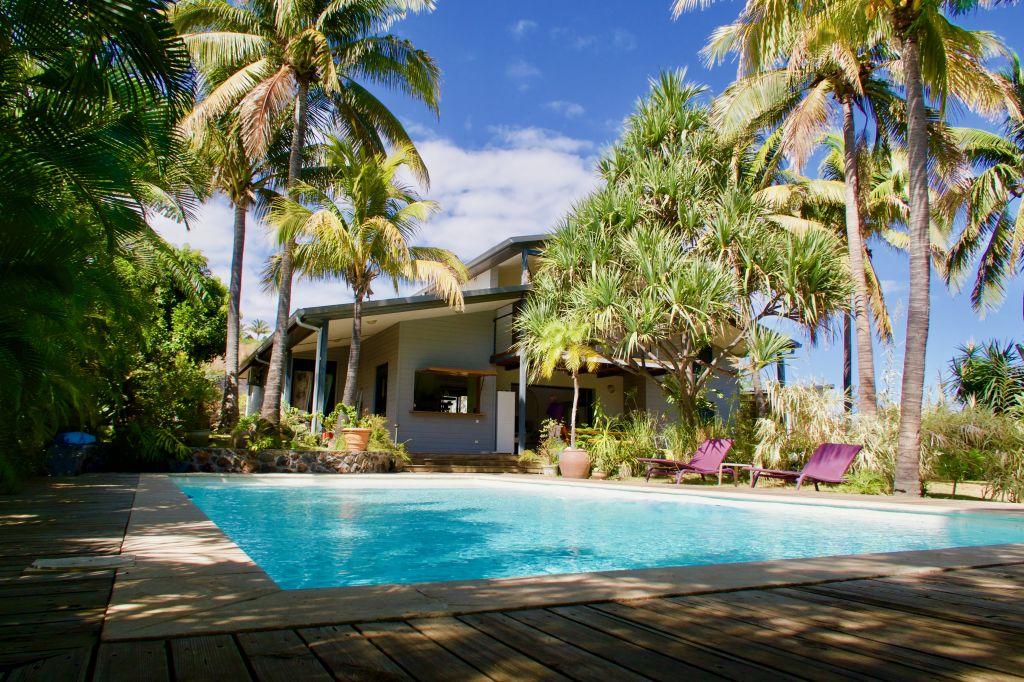 Villa T5/6 -  proche de la plage et  du port deSt Gilles Les Bains