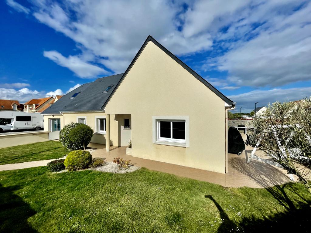 Vente Maison de 7 pièces 250 m² - DEMOUVILLE 14840 | AVA IMMOBILIER  - AR photo1