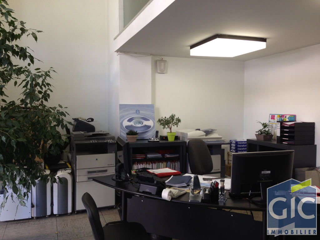 LOCAL COMMERCIAL 62 M²