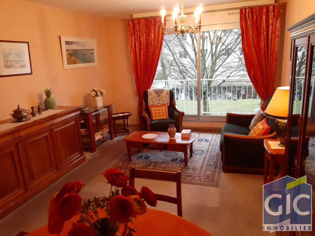 appartement 3 chambres balcon garage et cave