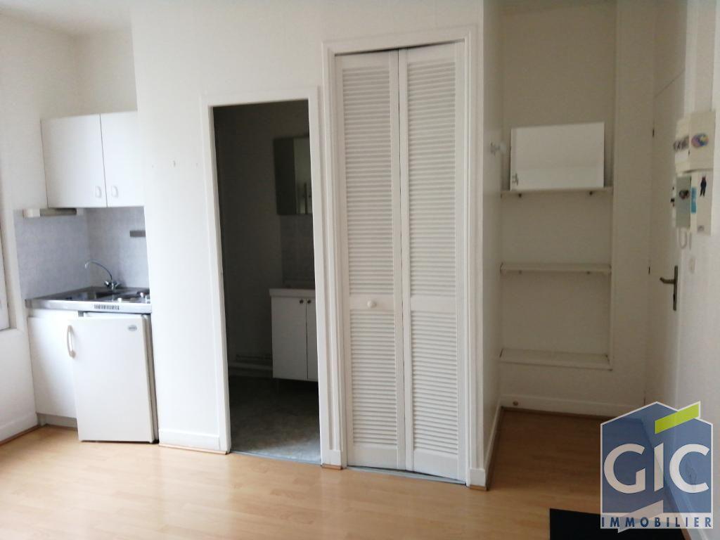 Caen HYPER CENTRE, T1 de 17,34 m² parfait état