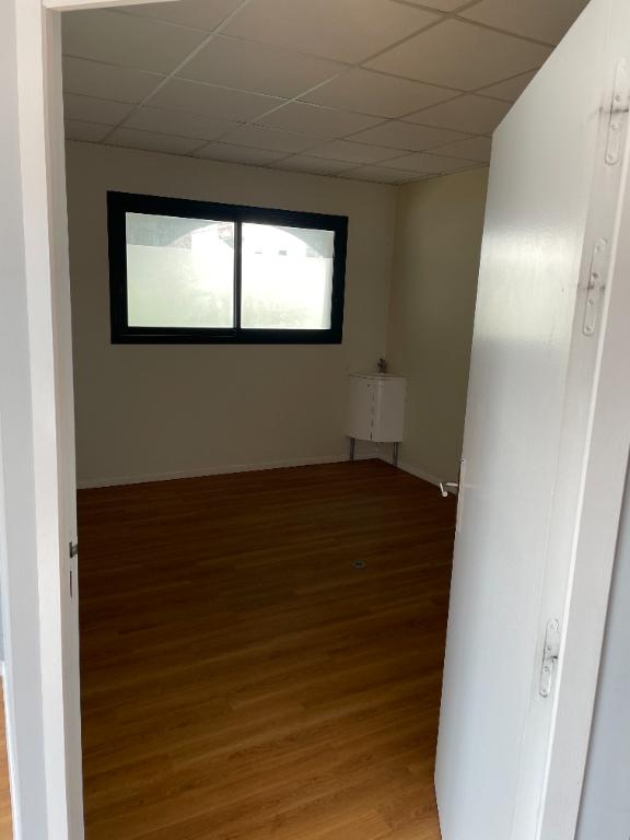 Bureaux à louer - 98.0 m2 - 64 - Pyrenees-Atlantiques