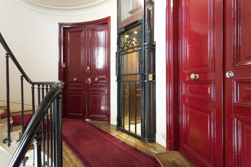 Venta  apartamento Paris 15ème 655000€ - Fotografía 3