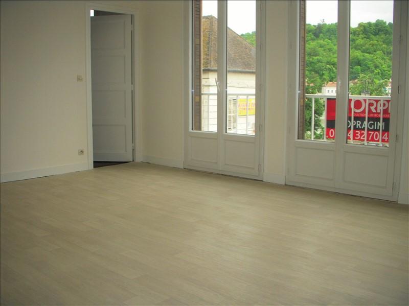 Location appartement Montereau fault yonne 770€ CC - Photo 1