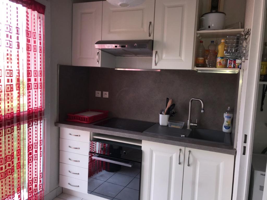 Deluxe sale apartment Montereau fault yonne 108000€ - Picture 2